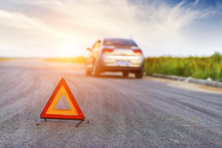 10 Steps for Handling Roadside Emergencies